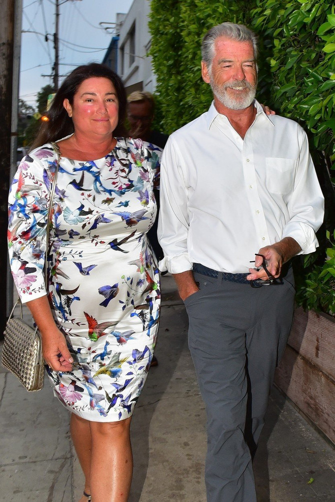 Pirs Brosnan i Kili Šej Smit