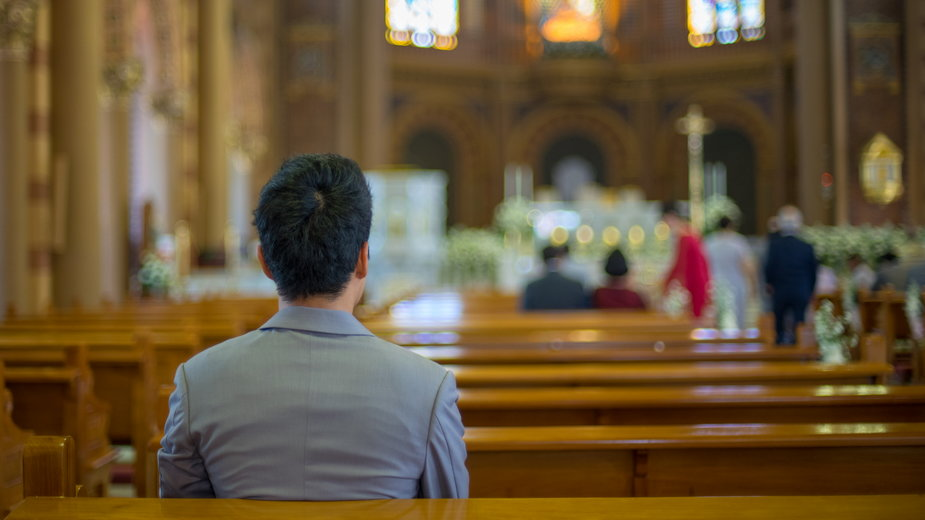 Koronawirus. Rzeszów: wezwano policję, bo zbyt dużo osób modliło się w kaplicy