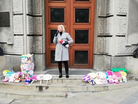 Protest ispred zgrade Vlade Srbije