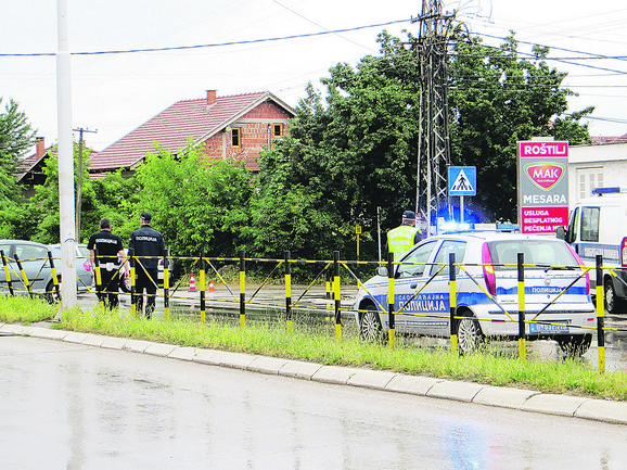 Policajac je automobilom naleteo na devojčice na pešačkom prelazu