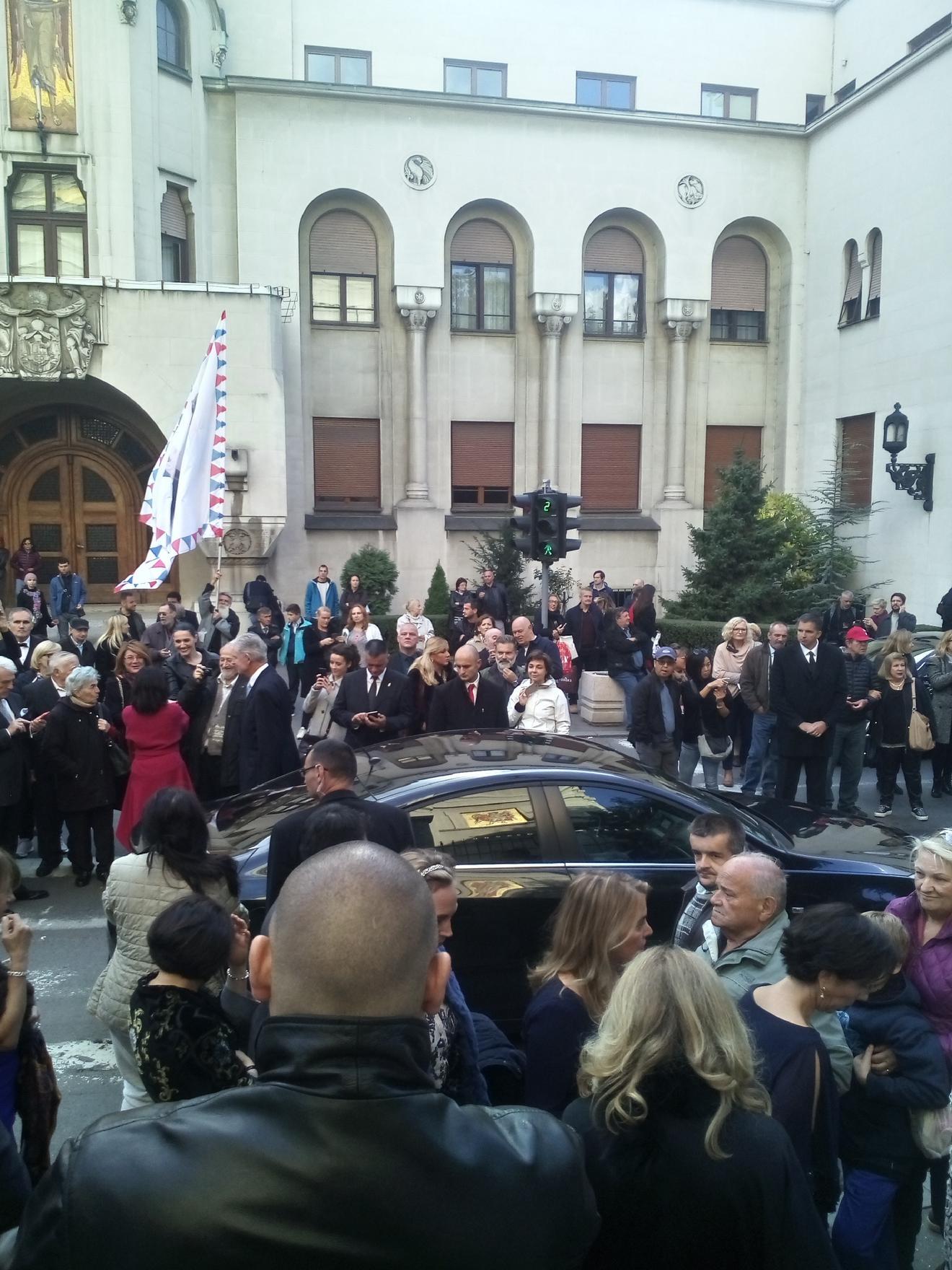 Kneginja Jelisaveta Karađorđević se jedina pozdravila sa okupljenima