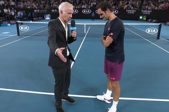"""KAKVA SCENA POSLE PORAZA KRAJINOVIĆA! Mekinro pitao Federera """"Da li ti je bilo ŽAO ovog momka?"""", a ovako glasi odgovor /VIDEO/"""