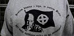 Inżynier sprzedawał bluzy z treściami faszystowskimi