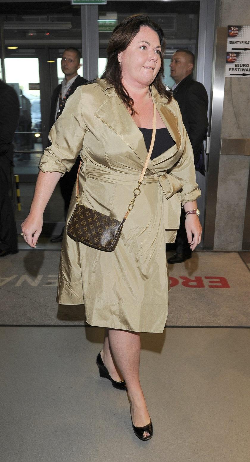 Katarzyna Niezgoda z niewielką torebką Louis Vuitton. Koszt? Dobre kilka tysięcy