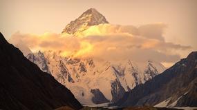 Dr Robert Szymczak, himalaista i lekarz, wyjaśnia jak zachowuje się organizm na wys. 8000 m i jakie są najczęstsze przyczyny śmierci himalaistów