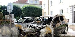 Na osiedlu spłonęły dwa auta. Śledztwo w toku