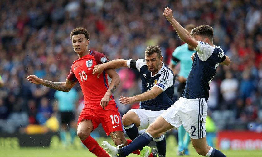 Scotland v England - FIFA World Cup Qualifying - Hampden Park Stadium
