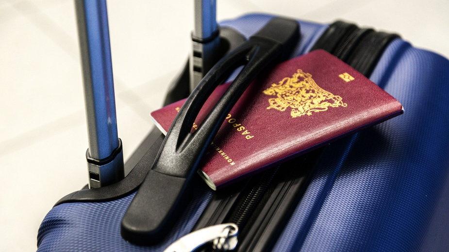 Przygotowując się do wyjazdu należy pamiętać o zabraniu dokumentów - Skitterphoto/pixabay.com