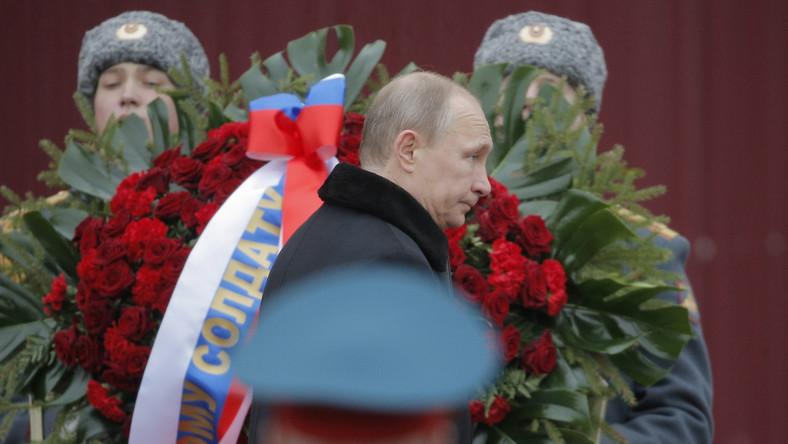 Rosja stała za krawymi wydarzeniami na Majdanie? Putin: Kompletna bzdura