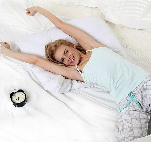 Alvás közben égeti a zsírt ez a karcsúsító ital - Átváltozik tőle a tested | Femcafe