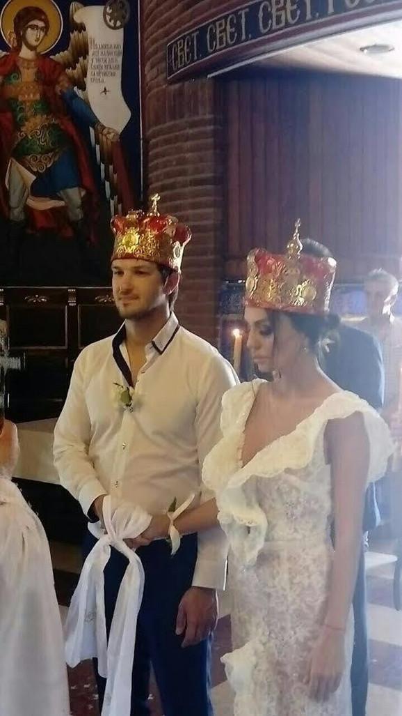 Marija i Vuk na crkvenom venčanju