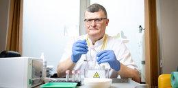 Krytykuje rząd za sposób walki z epidemią i już chcą go zniszczyć. Prof. Grzesiowski może stracić prawo wykonywania zawodu?
