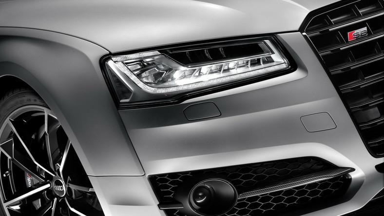 Jeszcze w tym roku na rynku pojawi się nowa generacja Audi A8 - największej limuzyny z Ingolstadt. Niemcy doszli najwidoczniej do wniosku, że zanim to nastąpi warto stworzyć coś szalonego na bazie dotychczas oferowanego S8 (usportowiona odmiana oparta na A8). Puścili wodze fantazji i stworzyli… bestię ubraną luksusowe ciuchy.