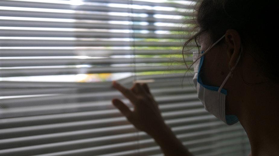 Koronawirus. W Szkocji zakaz odwiedzin w domach rozciągnięty na cały kraj