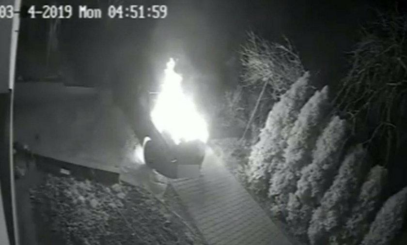 Podpalił samochód, omal nie zginął