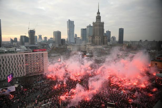 """W pierwszych relacjach na temat tegorocznego Marszu Niepodległości w Warszawie niemieckie media piszą o nim jako o demonstracji """"prawicowych ekstremistów"""". Podkreślają, że przedstawiciele rządu nie brali w niej udziału."""
