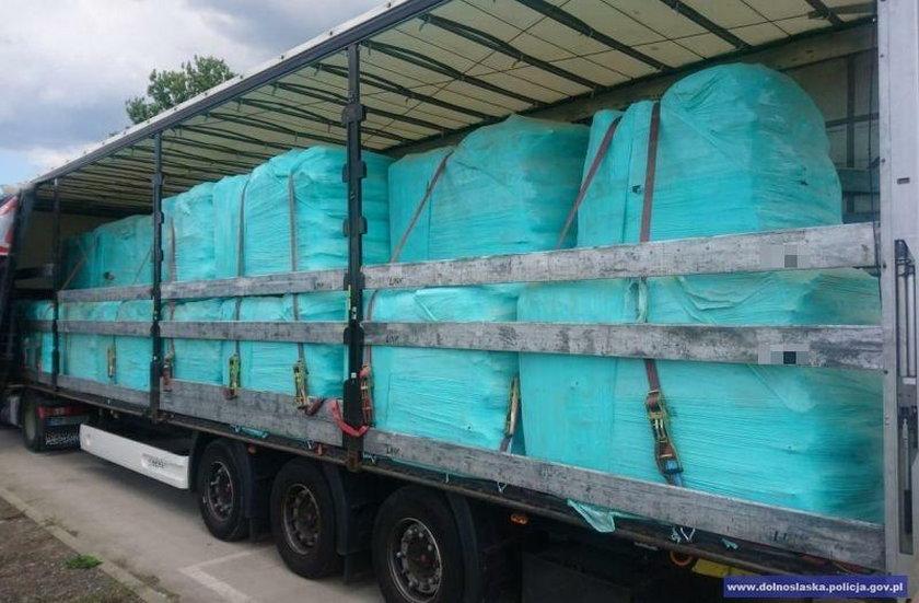 Ciężarówki ze śmieciami