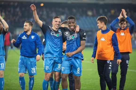 Slavlje fudbalera Empolija posle pobede nad Napolijem
