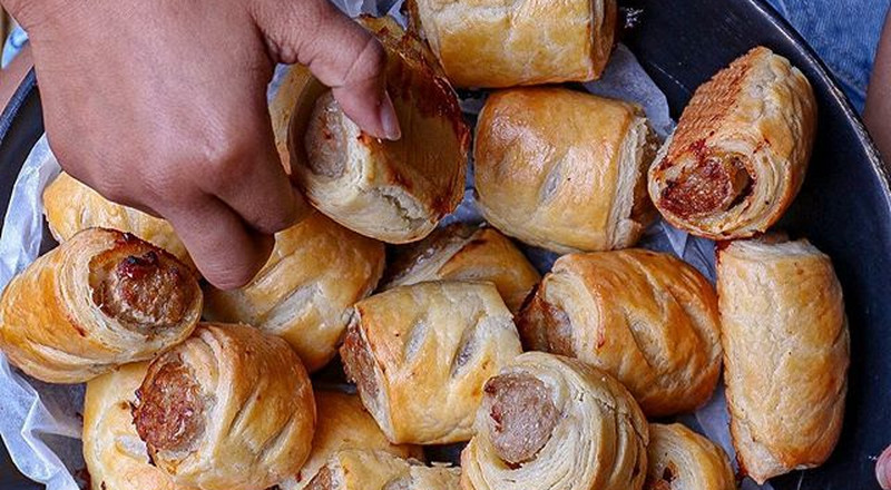 How to bake sausage rolls