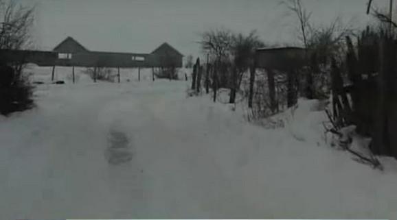 Zavejano selo Lakat