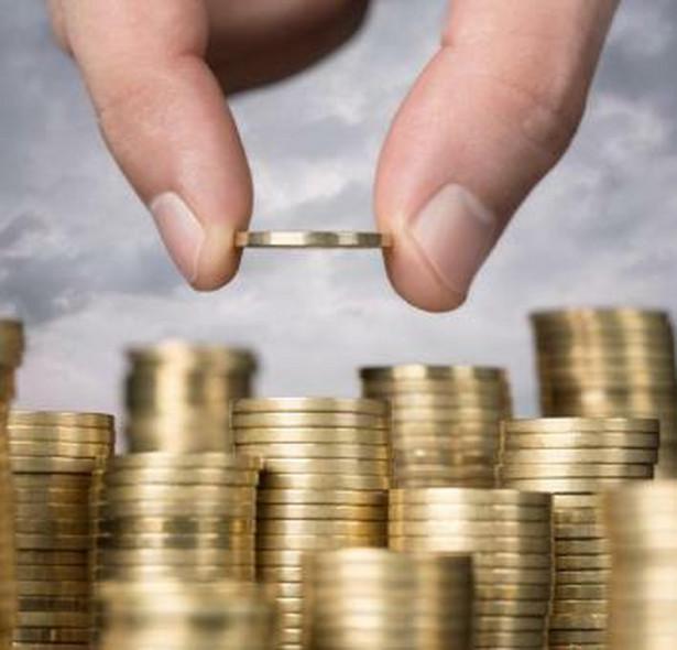 Możliwości inwestycyjne przedsiębiorstwa zależą od kapitału oraz kosztów jego pozyskania.