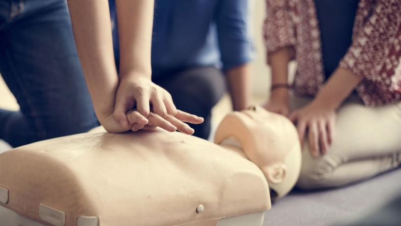 Masaż serca, kurs pierwszej pomocy