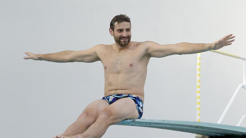 """""""Celebrity Splash"""" - uczestnicy trenują skoki"""