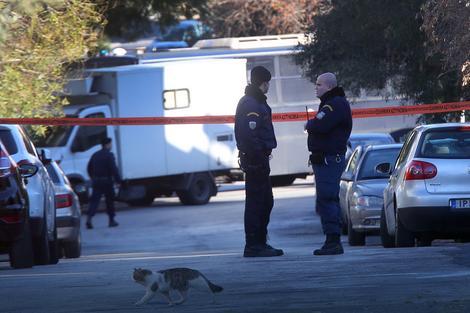 Lopovi vrebaju svoje žrtve na parkinzima, eventulano krađu obavezno pijavite policiji
