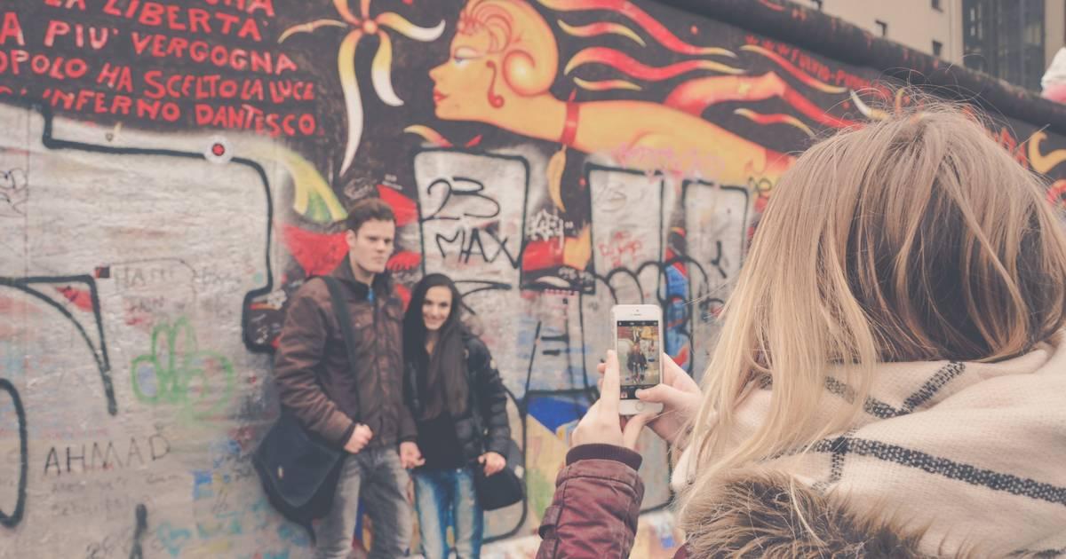 30 Jahre Mauerfall: Auf Whatsapp kannst du jetzt mit DDR-Studentin Kathrin schreiben