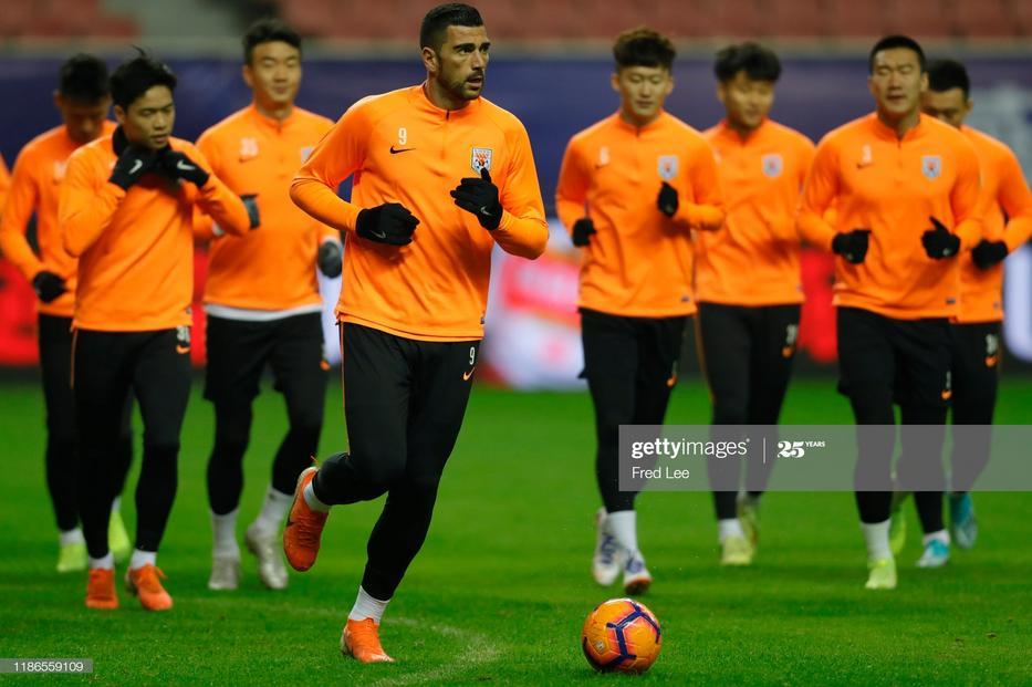 A magyar védő kínai klubjában elkezdődtek az edzések, májusban indulhat a bajnokság / Fotó: Getty Images