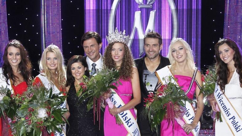 Oto wszystkie zwyciężczynie konkursu Miss Polski 2011 wraz z prowadzącymi galę.