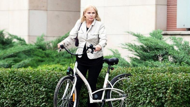 Izabela Trojanowska na drobne zakupy wybiera się rowerem.