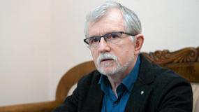 Dyrektor Cezary Morawski został odwołany, ale wojewoda wstrzymał uchwałę