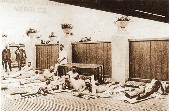 """Kupalište u """"Sanitasu"""" sastojalo se iz dva odeljenja – jednog za gospodu i drugog za dame"""