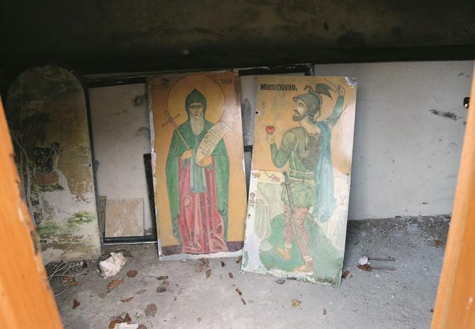 Opterećen kajanjem zbog nenamernog ubistva Zosima, Miloš nad njegovim grobom poče da gradi crkvu. Bar tako kaže narodno predanje