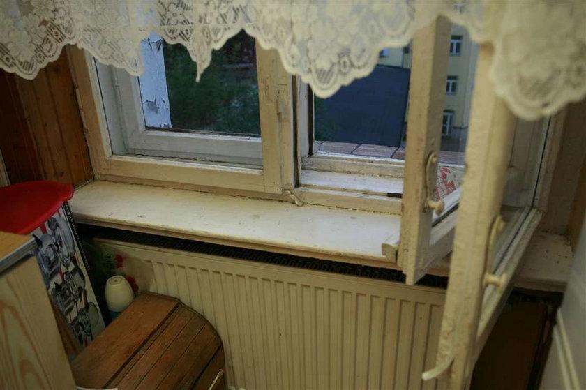 """Uwaga na oszustów! Mają nowy sposób """"na okna z UE"""""""