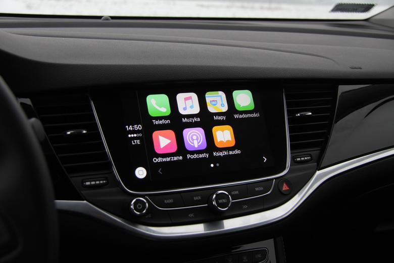 CarPlay- główne menu jakie widzi kierowca po podłączeniu telefonu
