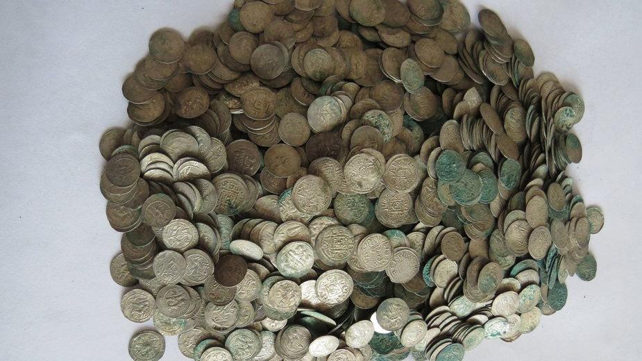 Srebrne monety znalezione w Zawichoście
