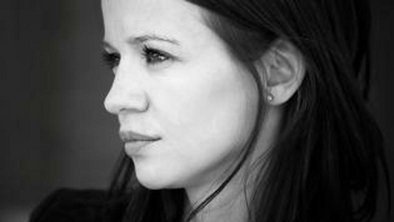 """Anna Przybylska zmarła w niedzielę, w swoim domu w Gdyni. Informację o śmierci aktorki przekazała jej menagerka. """"Odeszła w spokoju, w gronie najukochańszej rodziny"""" - napisała w specjalnym oświadczeniu Małgorzata Rudowska"""