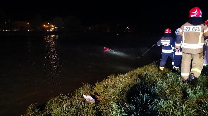 Samochód z 5 osobami wpadł do rzeki San.