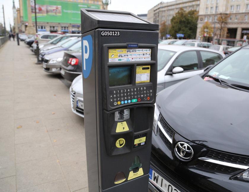Droższe parkingi w Warszawie? Urzędnicy tego właśnie chcą