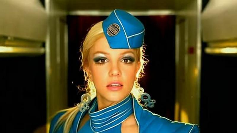 Britney megrázza a traducida-t