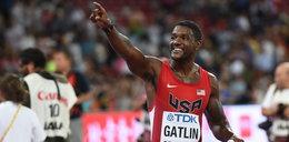 Przebiegł 100 metrów w 9.45 sek bijąc rekord Bolta. WIDEO