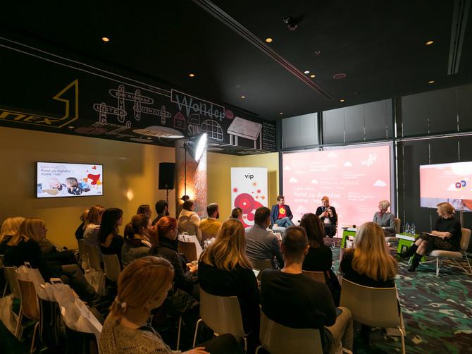 """Predstavljena edukativna platforma """"Bezbedni klinci"""": Za digitalne mame i tate"""