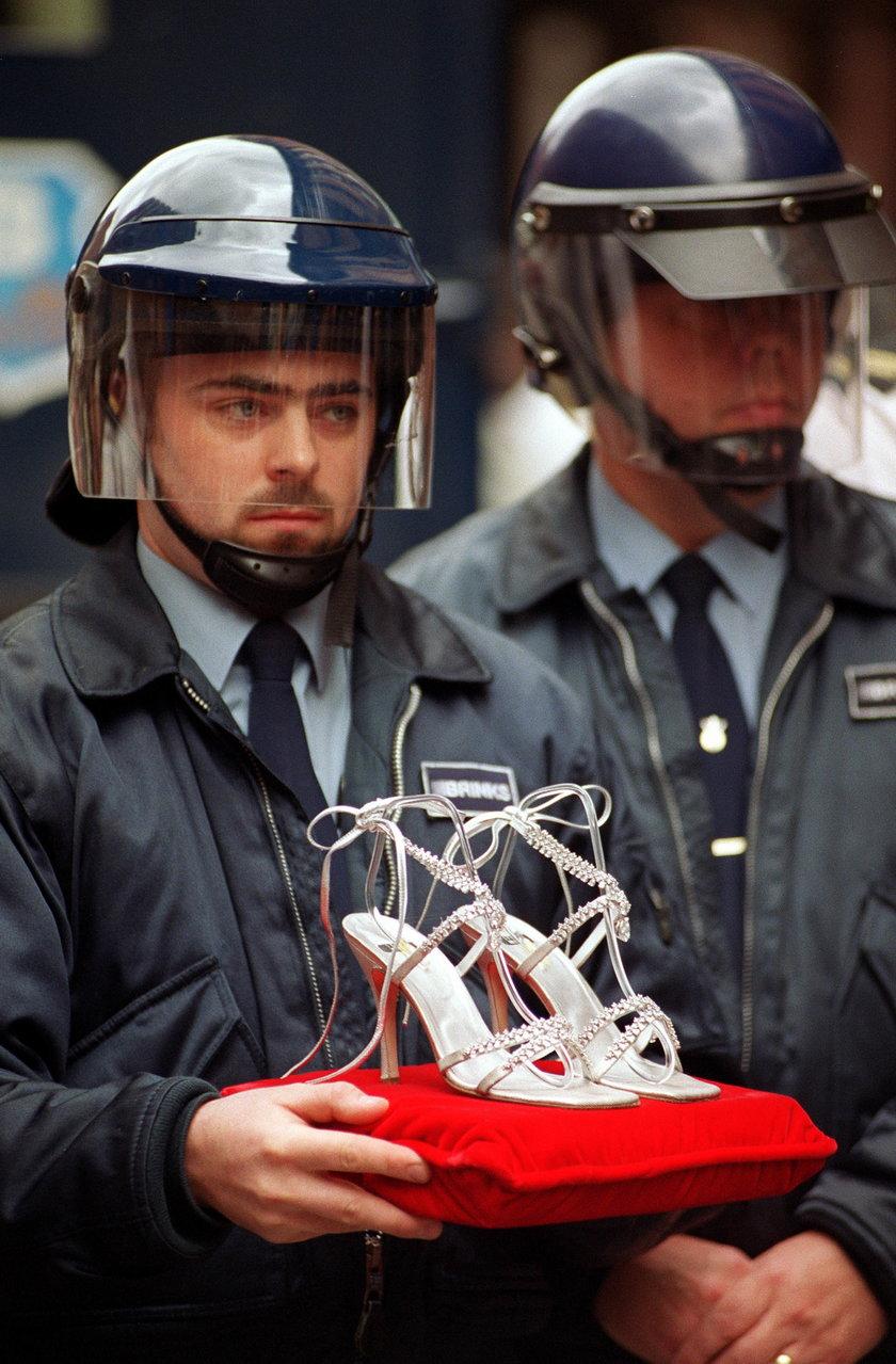 Akcesoria i obuwie od projektanta są strasznie drogie