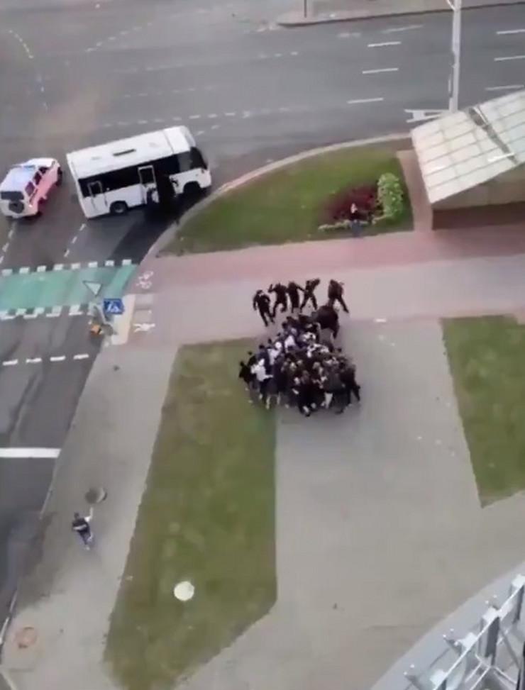 Minsk brutalna reakcija policije