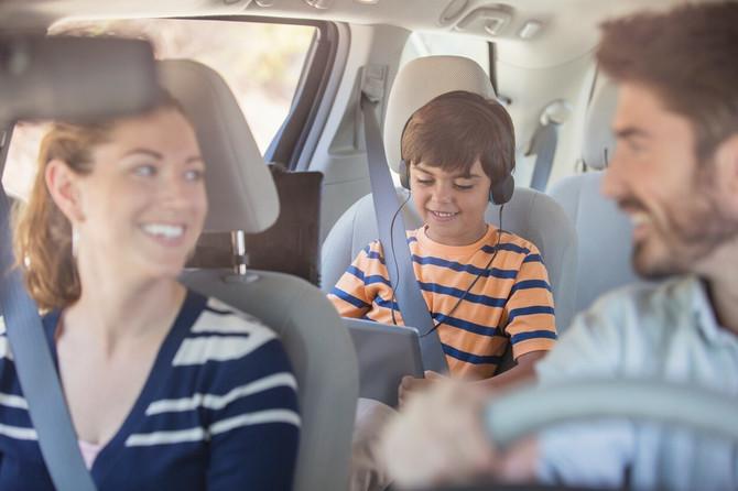 Sigurosni pojas je obavezan za decu i odrasle