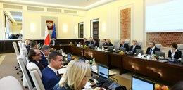 Morawiecki zmienił termin posiedzenia rządu. Data ma być symbolem