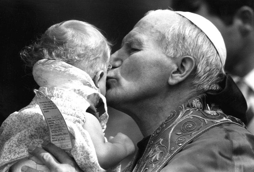 Jan Paweł II przyjaciel dzieci
