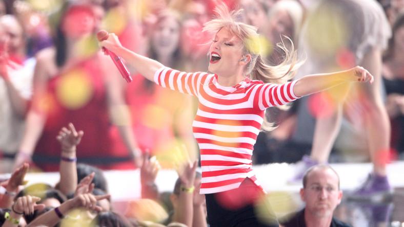 """Dwadzieścia dwa utwory, jakie wchodzą w skład kompilacji """"Grammy Nominees 2013"""" to prawdziwa muzyczna uczta. W menu takie szlagiery, jak """"We Are Young"""" fun., """"Somebody That I Used To Know"""" Gotye, """"We Are Never Ever Getting Back Together"""" Taylor Swift, czy """"Call Me Maybe"""" Carly Rae Epsen"""